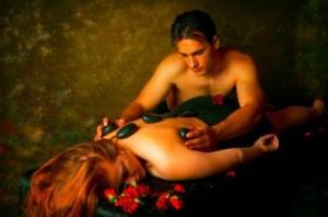 romance-ideas-invite-your-sweetie-for-a-romantic-love-massage-21557057